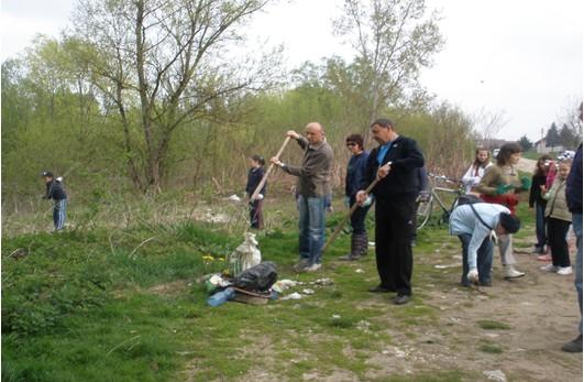 Volonteri u Galdovu